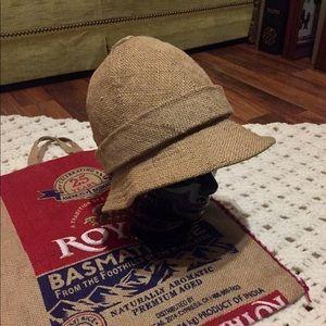 🦋2/$10 3/$15 4/$18 5/$20 Vintage Adolfo Hat